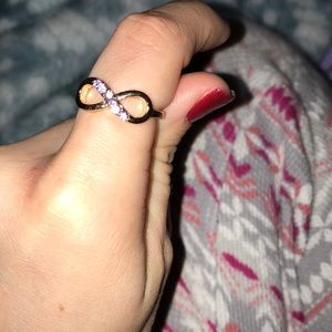 Claire's Jewelry - 🍉 Gold infinity ring